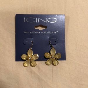 Daisy Flower Earrings